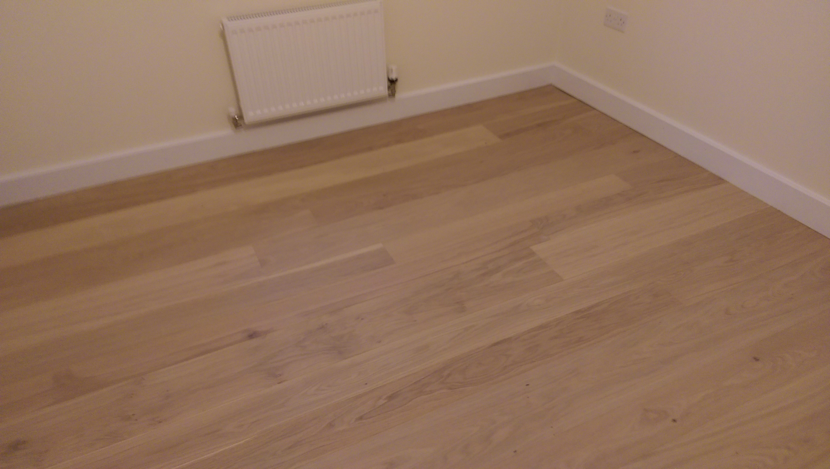 Laminate flooring oxfordshire thefloors co for Laminate flooring company